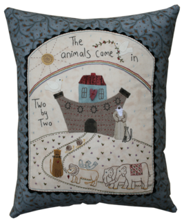 Y357 Noha's ark pillow small