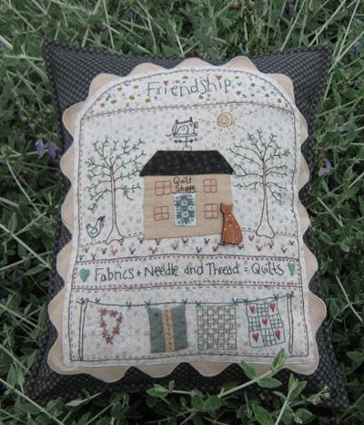 Hollyhock Quiltshop Pillow