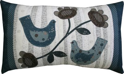 Y373 Love Bird Pillow