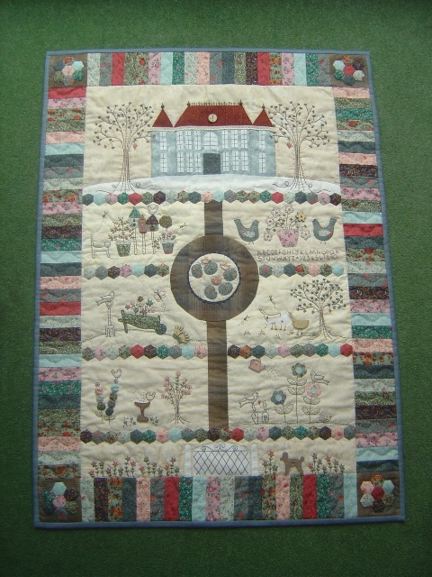 Chateau Hexagon Wallhanging